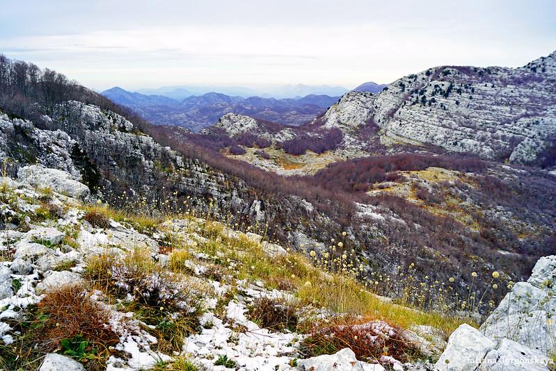 Пейзаж, открывающийся с хребта
