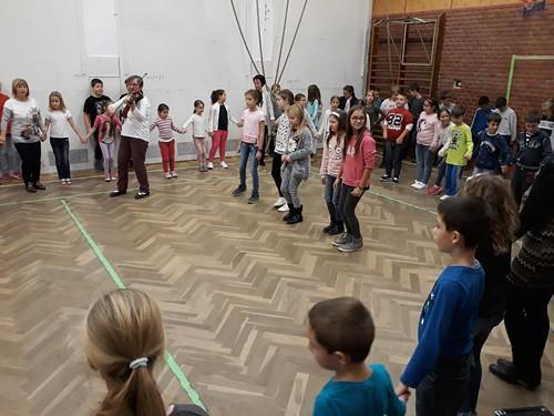 Magyar dalok, versek- napközis program