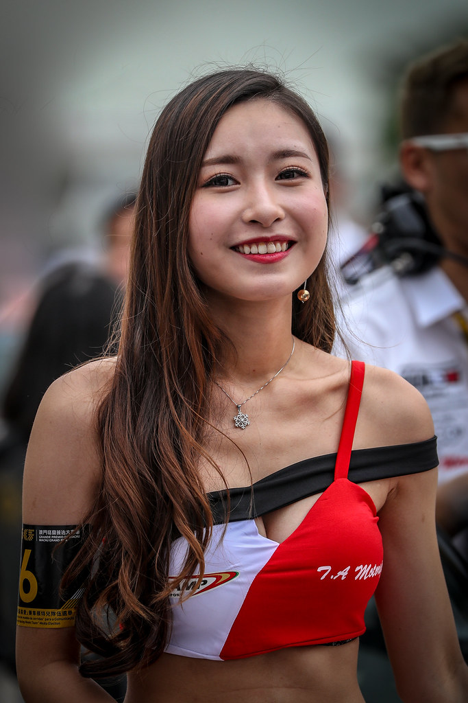 girl ambiance during the 2018 FIA WTCR World Touring Car cup of Macau, Circuito da Guia, from november  15 to 18 - Photo Alexandre Guillaumot / DPPI