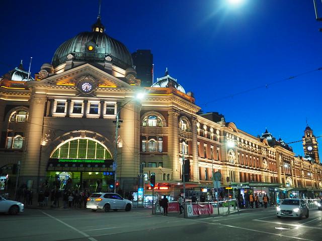 P9089982 フリンダースストリート駅(Flinders Street Railway Station) メルボルン オーストラリア ひめごと