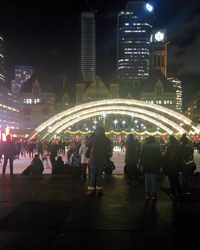 Arches (5) #toronto #torontocityhall #nathanphilipssquare #night #christmas #christmaseve #arch #oldcityhall #latergram