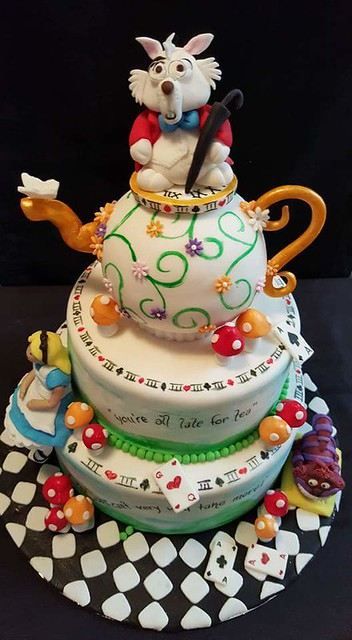 Alice in Wonderland Cake by Jacqui Collett of Jax Sweet Snax