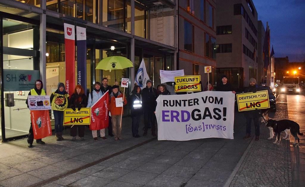 31.01.19: Aktion gegen  Bau eines Flüssiggasterminals (LNG-Terminal) in Brunsbüttel