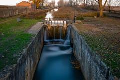Canal de Castilla-Esclusa 4 desde el puente