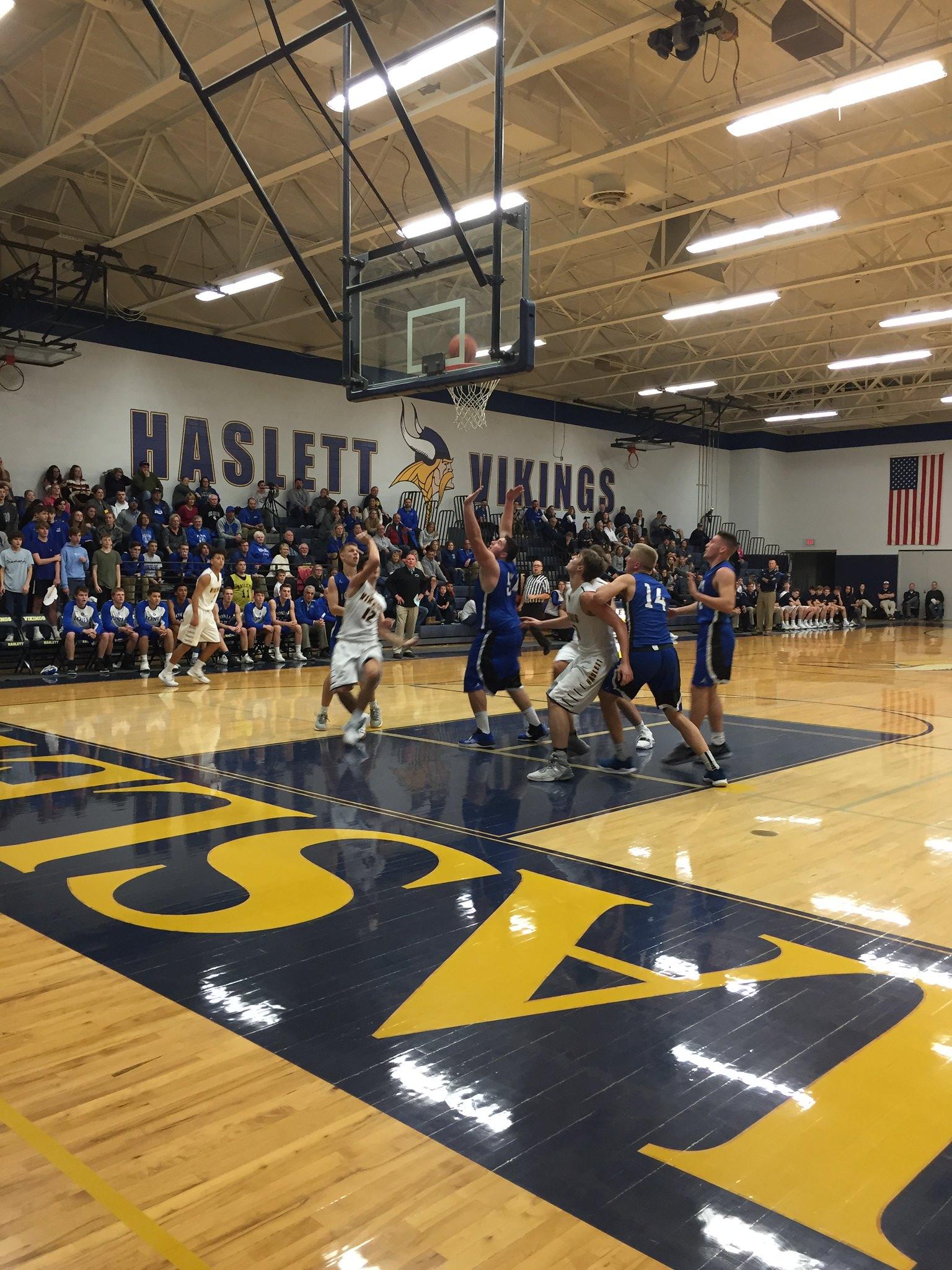 Haslett Varsity Boys Baksetball vs Ionia Bulldogs Recap