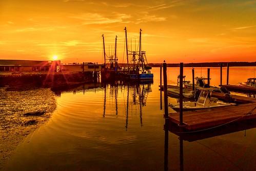sun water spectacular radiant lowcountry sunset hiltonheadisland southcarolina unitedstates