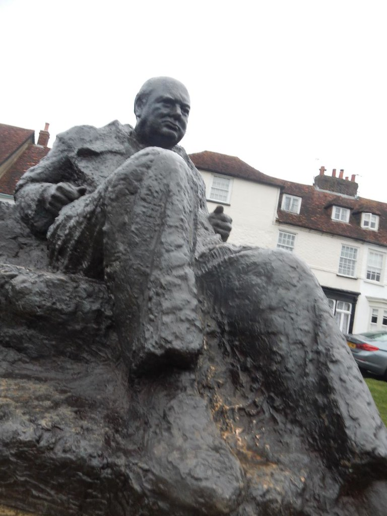 Churchill statue Edenbridge to Westerham