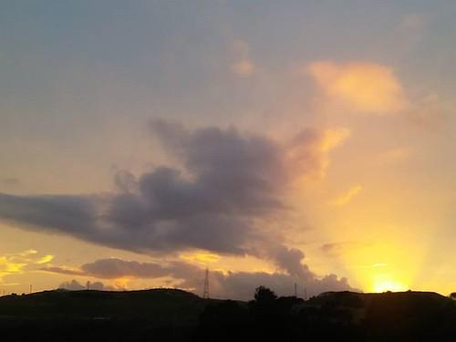 Bonito cielo para terminar la semana. Sin filtros. #nofilter #sinfiltros #ceo #sky #cielo #phonephoto #coruña