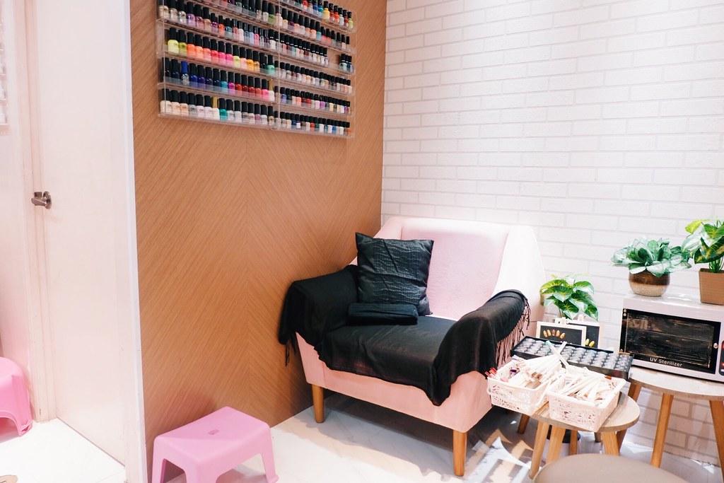 Ayumi Japan Eyelash Extensions and Nail Art