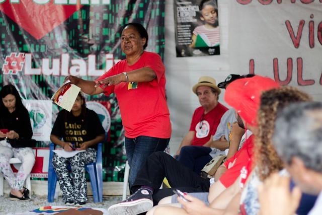 Dona Ana Maria Santos da Cruz lembrou história do povo negro, afirmando que luta quilombola vai resistir ao governo Bolsonaro - Créditos: Lía Bianchini