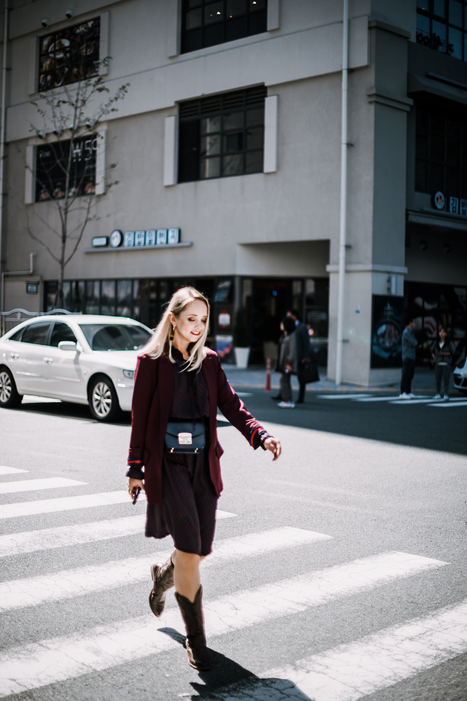H&M-plum-blazer-ann-taylor-print-dress-furla-metropolis-bag-forever21-cowboy-western-boots-08293-2