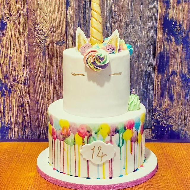 Cake by Mumma G's Bakery