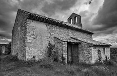 Eglise Saint Pierre  -  Montsalier - Photo of Banon