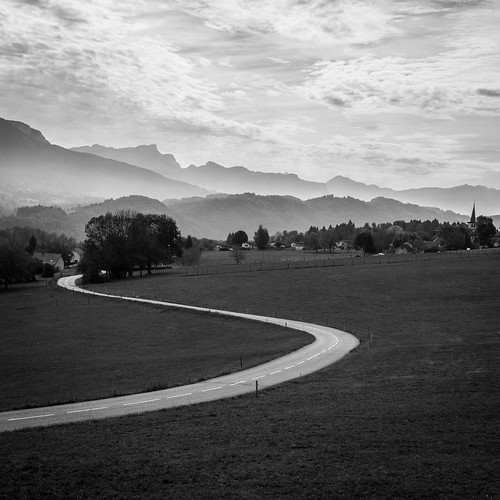 Road to follow - Dullin Savoie France