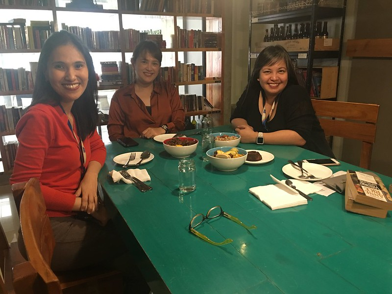 Tweedle Book Cafe, Tomas Morato