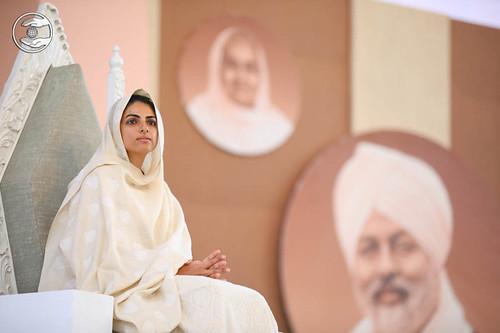 Satguru Mata Ji showing divine blessings