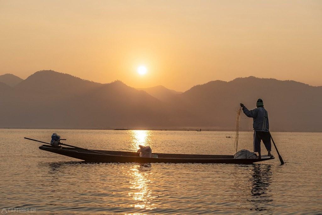 Fishermen in the morning - Inle Lake
