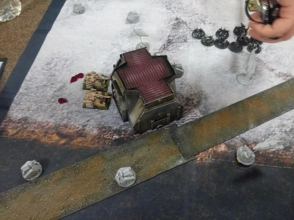 [Crazy Orc, 22.12.18] Astra Militarum vs Squats (4000pts)  46373937342_2c8d4a16a6_b