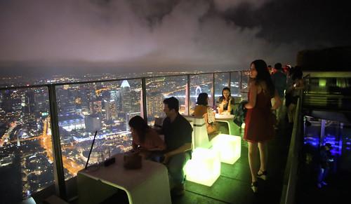 Singapore's fresco bar with altitude!