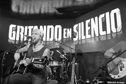 GRITANDO EN SILENCIO (Firma de Discos, Madrid 13/11/2018)