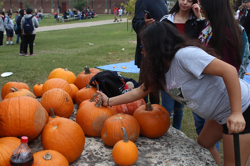 Akins smashes pumpkins