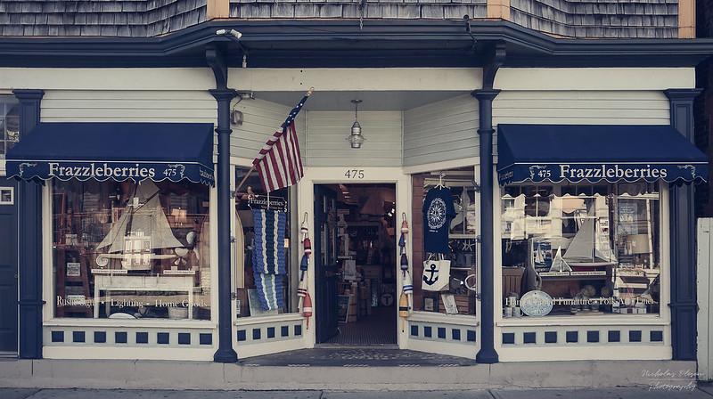 USA | Newport Store - Frazzleberries