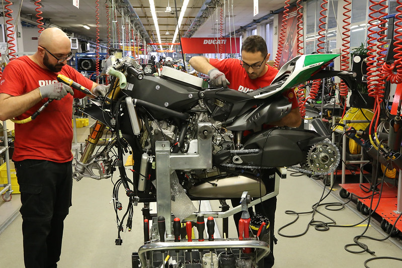 Panigale R Final Edition_Production Line_1_UC69715_High