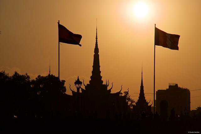 IMGP0447 Royal Palace at sunset