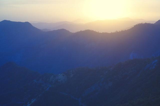 Sunset in Sequoia National, Sony NEX-5T, Sony E 35mm F1.8 OSS