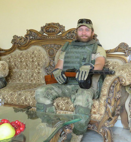 PPSh-russian-soldier-palmyra-2016-1