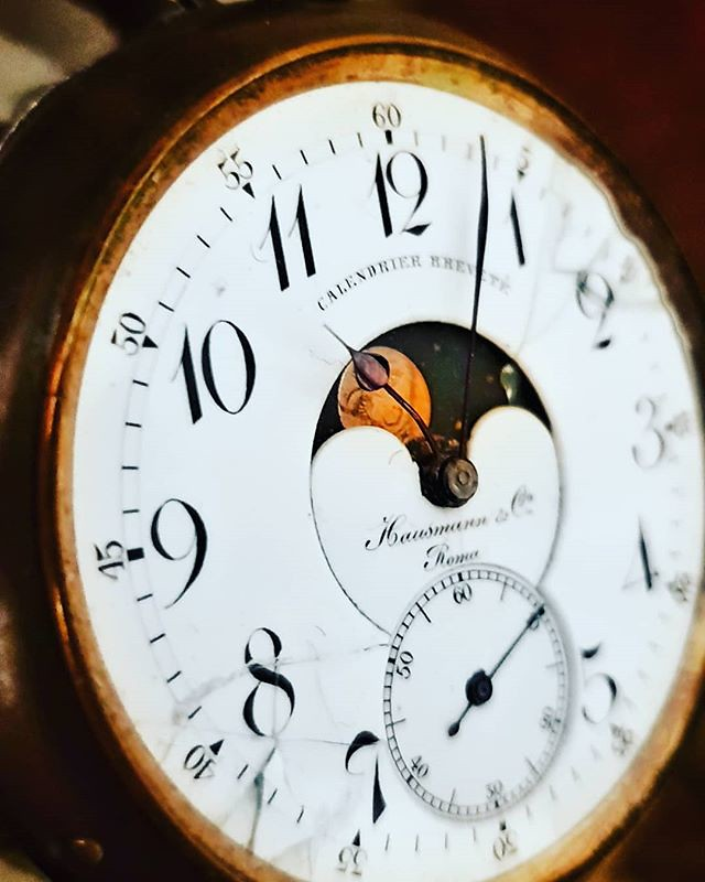 Old Times #clock #vintage #old #hour #night #igers #igersitalia #igersmilano #photooftheday #picoftheday #hours