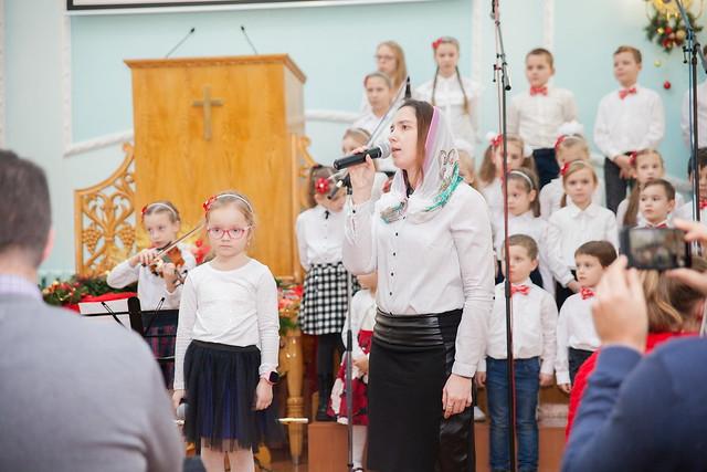 Детский хор на Рождестве (25 декабря, 2018)