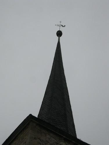 Turmspitze und Wetterhahn von Sankt Bonifazius zu Gorsleben