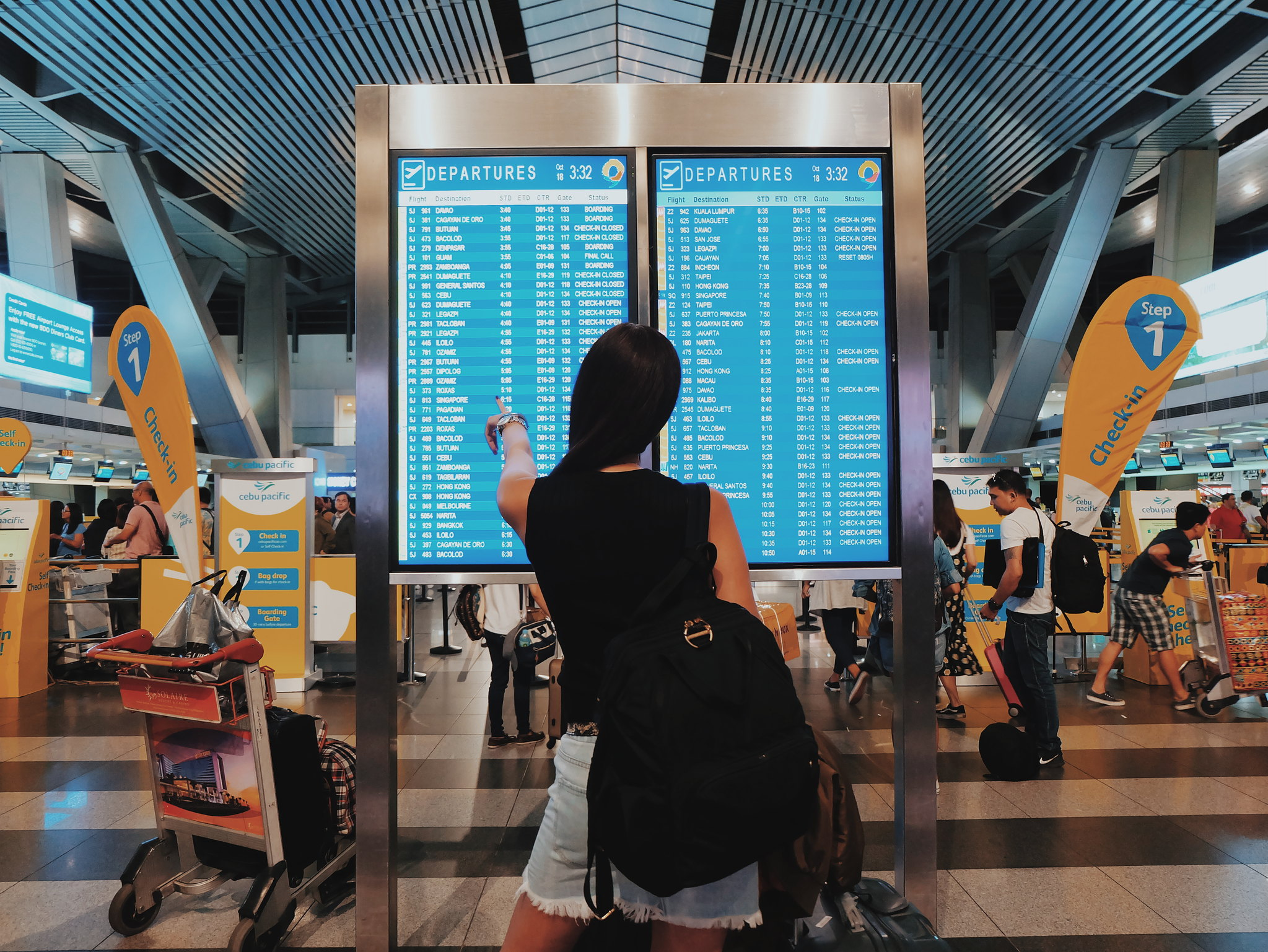 10 Things to Do While Waiting for Your Flight + Cebu Pacific's Travelers Lounge at RWM