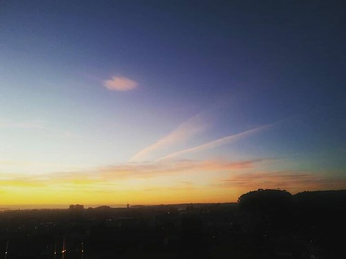 Amanecer casi sin nubes. #coruña #cielo #sky #clear #amanecer #sunrise #phonephoto