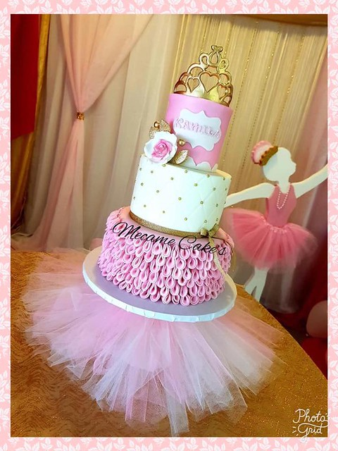 Cake from Mecame Cake's by Merlyn Hato Arriba Bakery
