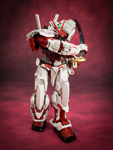 HiRM_Astray_Red_Frame_24