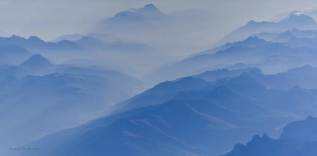 The Alps in morning, Nikon D750, AF-S Nikkor 28-300mm f/3.5-5.6G ED VR