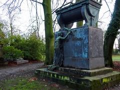 Vast monument
