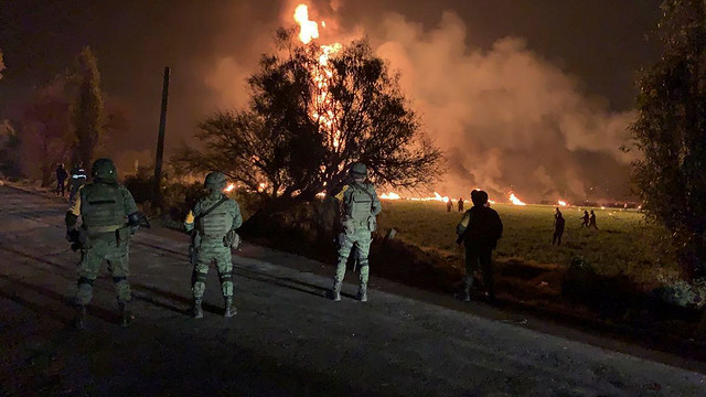 mexico-pipeline-fire
