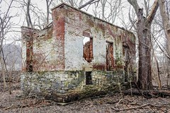 Ruins of a lockhouse (3)