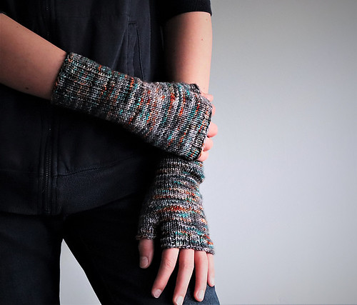 Simple fingerless mitts - pattern is Friends by Dani Sunshine
