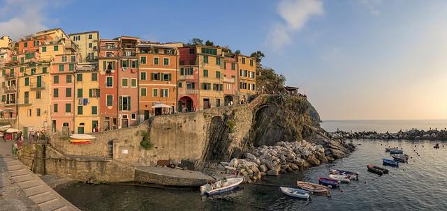 *Picturesque Riomaggiore @ tourist attraction*