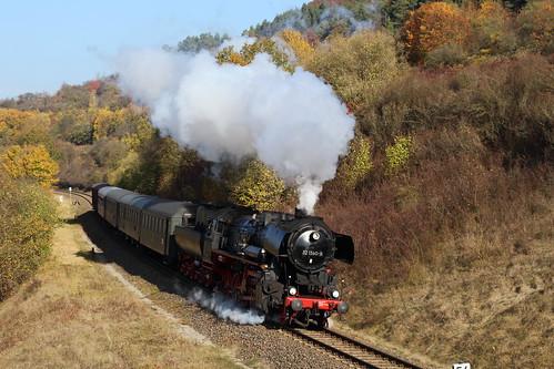 2018-10-20; 0084. IGE Werrabahn 52 1360-8 met DLr 402. Walldorf. Plandampf im Werratal, Dampffinale.