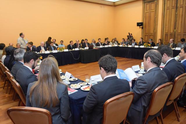 Desayuno Propuestas para una mejor educación técnica profesional en Chile