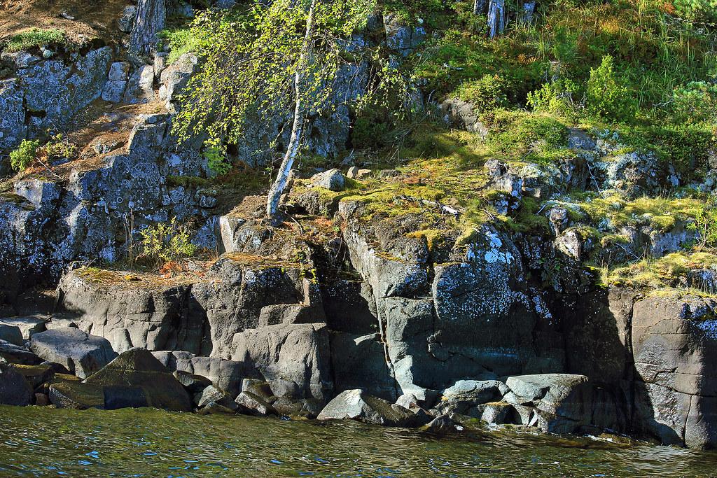 Rocks_on_Valaam_Island_in_Lake_Ladoga.
