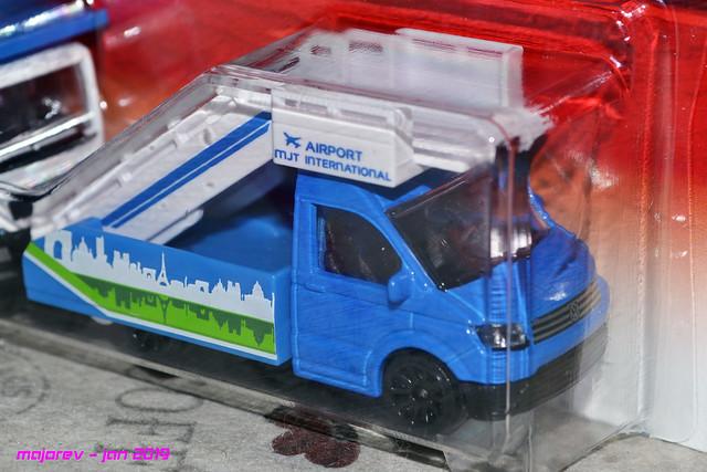 N°203H - Volkswagen Crafter - nacelle aéroport  - Série Airport 46023580345_e7d34e6498_z