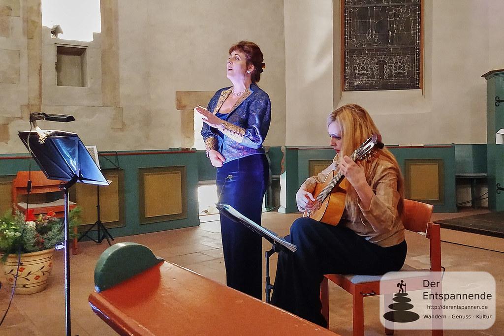 Bodil Victoria Arnesen (Sopran), Heike Matthiesen (Gitarre)
