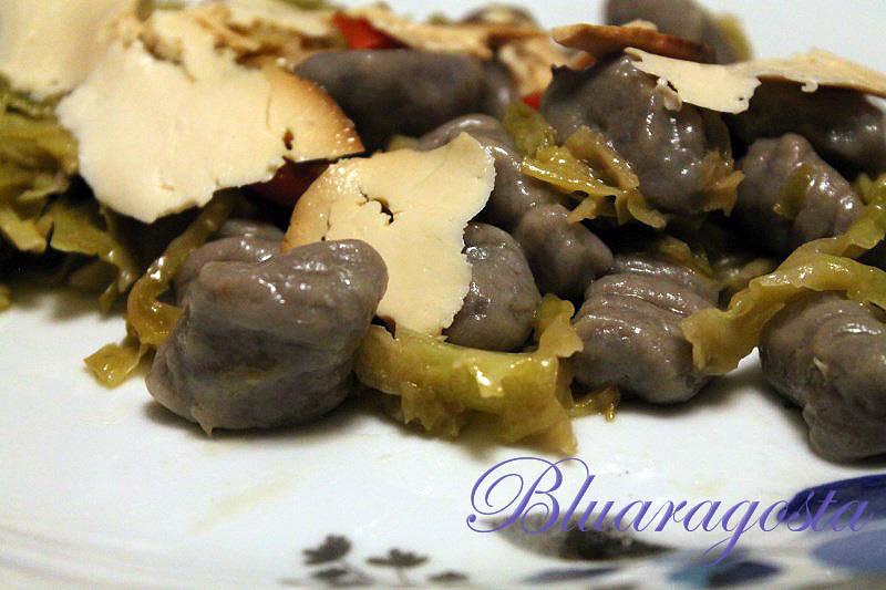07-gnocchi di patate viola con verza brasata