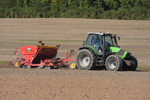Deutz Fahr M625 Agrotron Tractor with a Vaderstad Rapid 300S Super XL Seed Drill